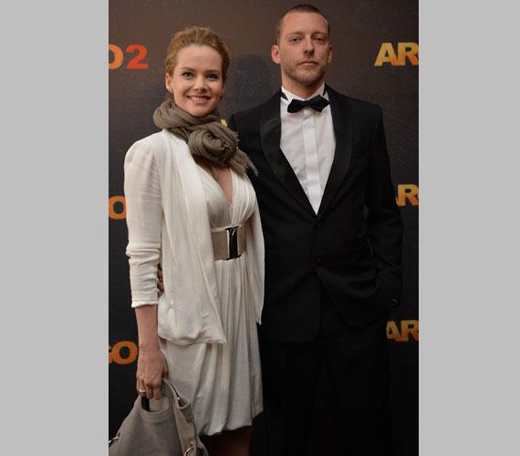 Osvárt Andrea színésznő ezúttal az öccse kísérője volt, ugyanis Márton írta a film egyik betétdalát.