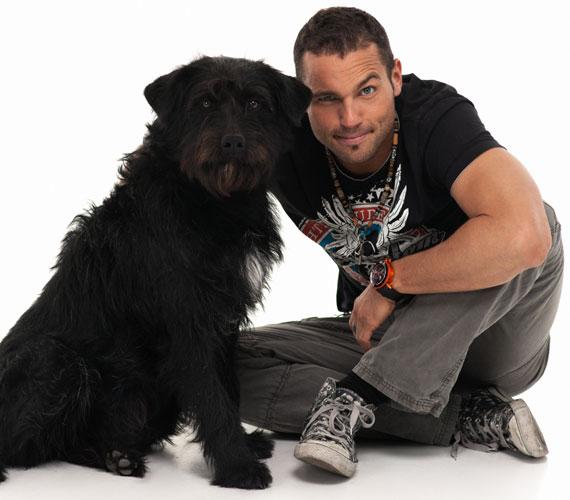 Müller Attila, a VIASAT3 műsorvezetője szintén csatlakozott a jótékonysági kezdeményezéshez.