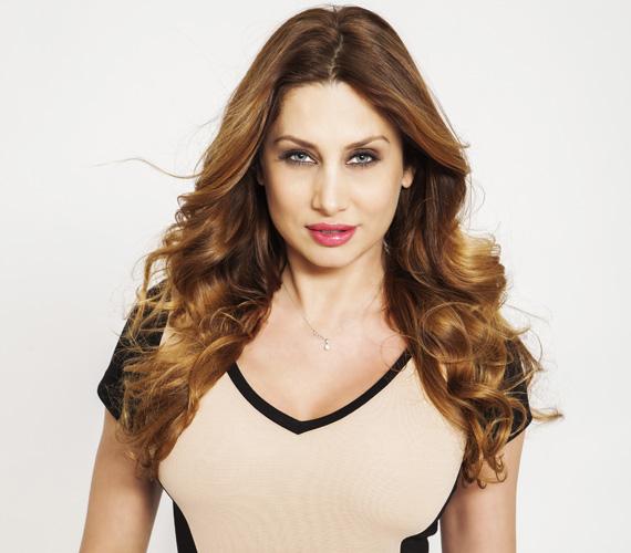 Horváth Éva 1998-ban nyerte meg a Miss World Hungary szépségversenyt, 2004-ben Görögországban a Miss Tourism Planet-választáson győzedelmeskedett. Vezette az RTL Klub Reggeli, illetve Menetrend című műsorát. 2011 óta a VIASAT3 műsorvezetője.