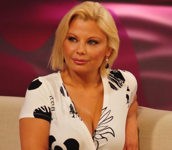 Rába Tímea az 1991-es Miss Hungary szépségversenyen második helyezett volt. A TV2-n a Lottó-, Kenó-, illetve Skandináv lottó-sorsolás háziasszonyaként, a Magyar Televíziónál az Első kézből, az ATV-csatornán pedig Fitnesz című műsorban szerepelt a képernyőn.