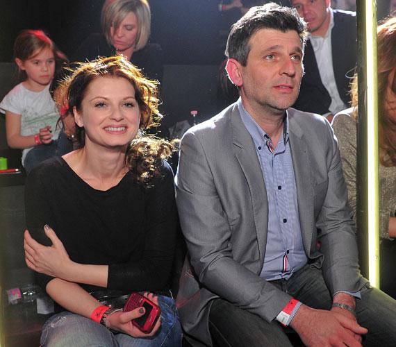 Ullmann Mónika és Kárász Róbert ugyan nem egy párként, de egymás mellett ülve szurkoltak kedvencüknek.