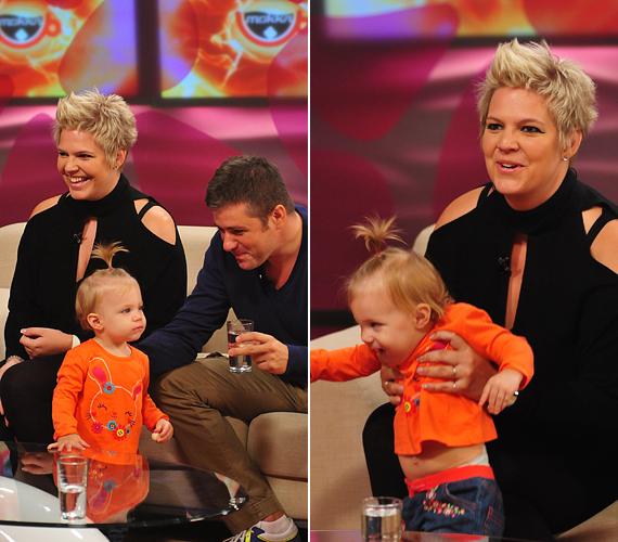 A sztárpárt gyermekük, Róza Anna is elkísérte a reggeli műsorba. A kislány már elmúlt egyéves.