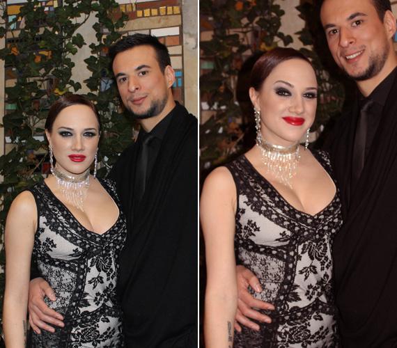 A nemrég a Győri Nemzeti Színház Finitó című darabjában színésznőként is bemutatkozott énekesnő partnerként Markó Róbertet kapta.