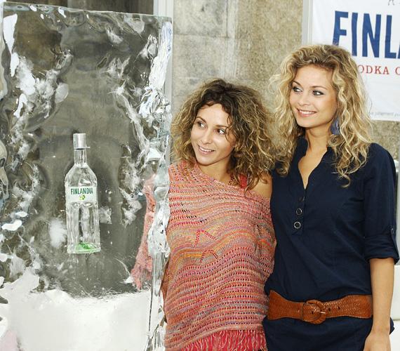 A Dubaiból hazatért Karsai Zita és Anett már az elején megbeszélték a stratégiát: női rafinériával kezdtek neki a jégfaragásnak.