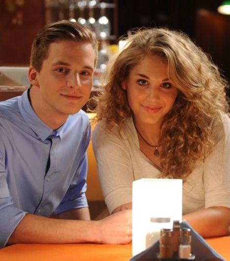 Hanna és Balázs                         Hanna és Balázs kapcsolata is elég viharos. A fiatal lány kiadta a fiú útját, amikor megtudta, hogy majdnem megcsalta legjobb barátnőjével, Lindával. Végül kibékültek és most szeretnének összeköltözni.
