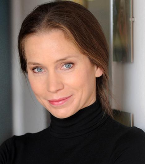 Holman Rita - Bognár GyöngyvérA kecskeméti Katona József Színház színésznője 2012 januárjában tűnt fel a sorozatban, Holman Ritát, Berényi Claudia nevelt lányának, Hannának az édesanyját alakítja. Arca ismert lehet az Ópium - Egy elmebeteg nő naplója című filmből is.