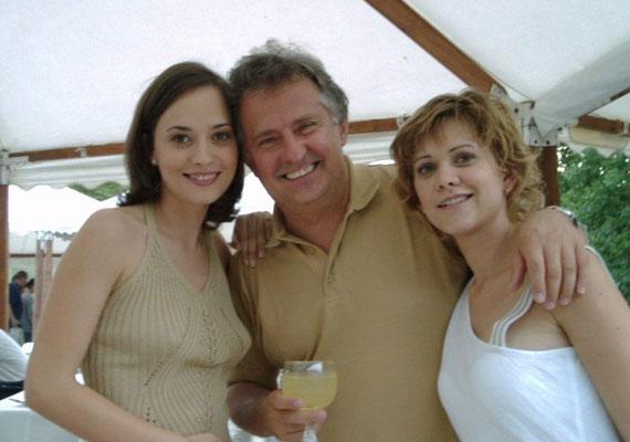 Farkasházi Réka Benjáminnal volt várandós, Juga Veronika pedig Marcival - előbbi 2004-ben, utóbbi 2003-ban jött világra. Mára már mindketten két lurkót nevelnek, Farkasházi Réka kislánya, Rebeka 2009-ben, Juga Veronika második gyereke pedig 2014-ben született meg.