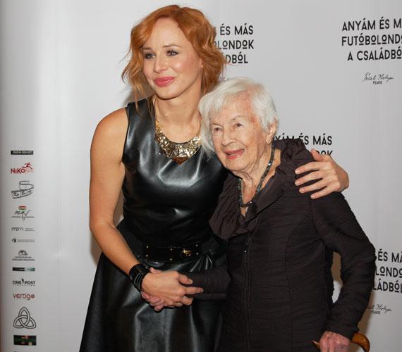 Ónodi Eszter és az idén 101 éves Danuta Szaflarska, aki a főszereplő Bertát alakítja, amikor az már 94 éves. A lengyel színésznő színházi elfoglaltságai mellett is szakított időt a budapesti látogatásra.