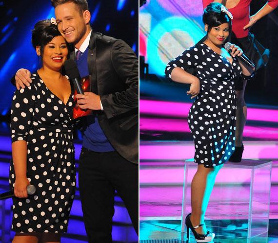 A második élő show-ban ebben a testhezálló, nőies idomait kihangsúlyozó, pöttyös ruhában lépett színpadra.