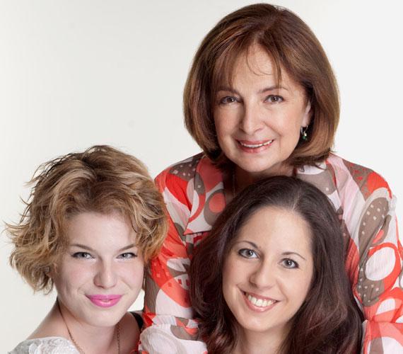 Endrei Juditnak két lánya született, Nóra 1991-ben, Laura 1994-ben. Az anya-lánya kapcsolat nagyon jó közöttük, ami annak is köszönhető, hogy a műsorvezető sohasem akart rátelepedni a gyermekeire, hagyta azt is, hogy külföldön próbálgassák szárnyaikat.