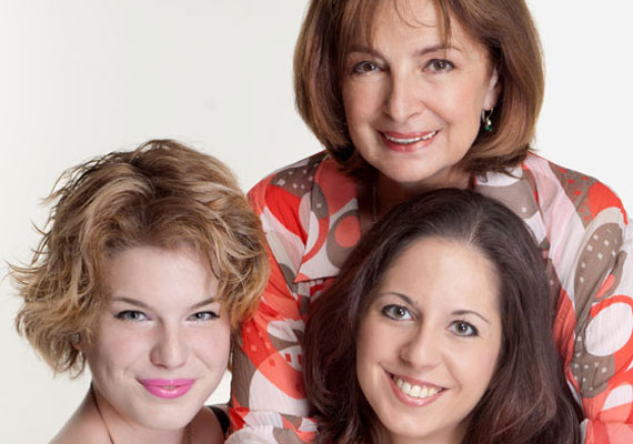 Endrei Juditnak két lánya született, Nóra 1991-ben, Laura 1994-ben. Jó kapcsolatuk titka, hogy a műsorvezető sohasem akart rátelepedni a gyermekeire.