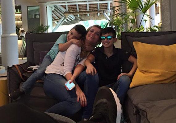 Novodomszky Éva olasz férjével 2004-ben házasodott össze, majd jöttek a fiúk, a most 11 éves Cristiano és öccse, Marco.