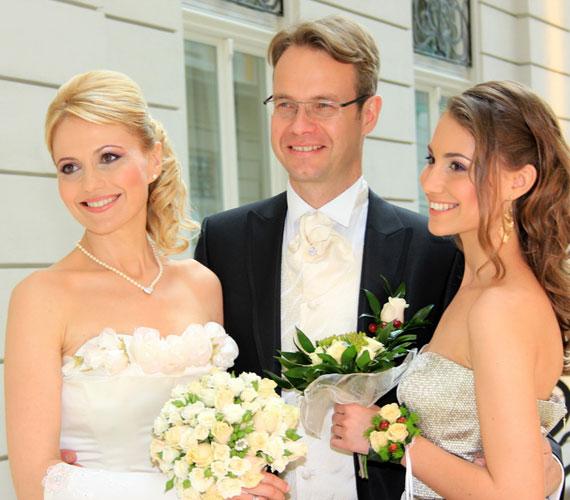 Bényi Ildikó újdonsült férje és 16 éves nagylánya remekül kijönnek egymással.