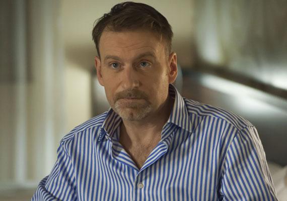 Visszatért a Jóban Rosszban egyik alapszereplője, a Vidovszky Nándit alakító Sághy Tamás. A sorozat alap csapatának tagja volt, tíz év alatt szemmel láthatóan megöregedett.