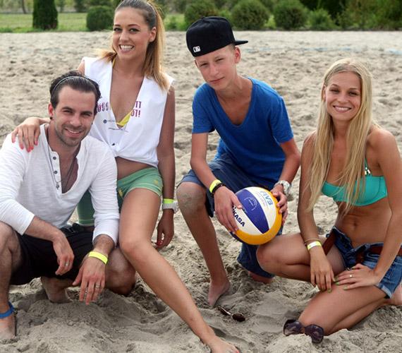 A VIVA TV csapata: Bozont, Nagy Adri, RandomMarci és Iszak Eszter.