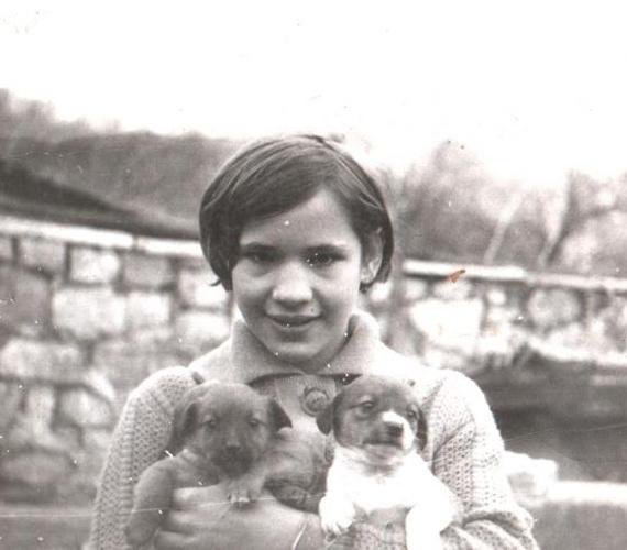 Bíró Ica mindig is nagyon szerette az állatokat, azóta is rajong a kutyákért.