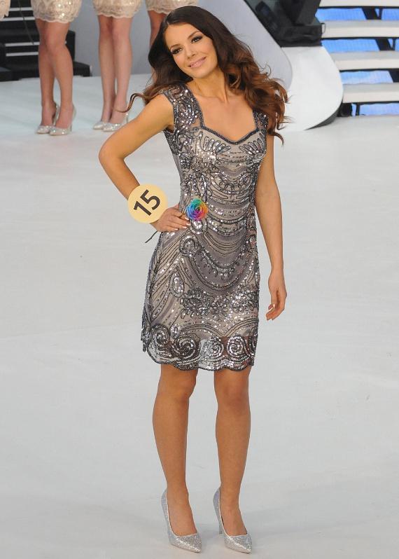 A 2016-os Miss Universe Hungary a koktélruhás bevonuláskor is elbűvölően nézett ki.