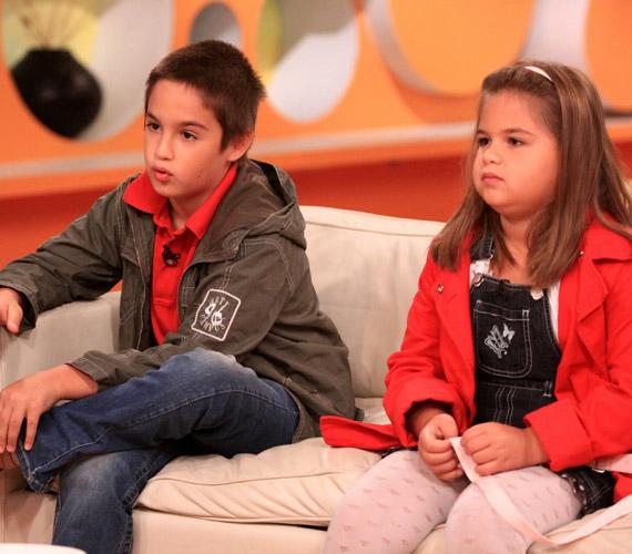 Ádám két unokával ajándékozta meg Bodrogi Gyulát. Bence és Enikő 2010 nyarán az RTL Klub reggeli műsorába kísérték el nagyapjukat.