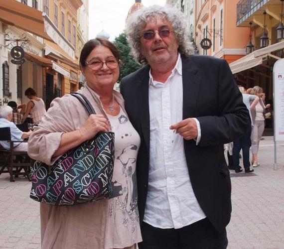 Voith Ági színésznő három évtizede a párja Döme Zsolt zeneszerzőnek, aki a Nemzet Színészével is jóban van - csakúgy mint a színésznő Angélával.