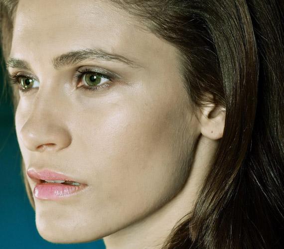Az Origo Filmklub a 15 legvonzóbb 30 év alatti magyar színésznő versenyén Bordán Lilit választotta a legszebbnek 2011-ben - a képeket elnézve nem csoda.