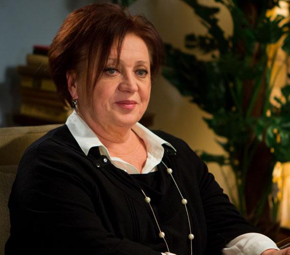 Csákányi Eszter Kossuth- és Jászai Mari-díjas színésznőt alakja miatt nem vették fel a Színművészeti Főiskolára, ez a sérelem végigkísérte az életét.