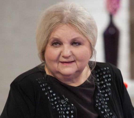Pogány Judit Kossuth-és Jászai Mari-díjas színésznő, a Halhatatlanok Társulatának örökös tagja. A közgazdasági technikum elvégzése után jelentkezett a Színház- és Filmművészeti Főiskolára, ahol az első rostán eltanácsolták. Ő maga is elismerte, jelentéktelen kislányként közhelyes versekkel próbálkozott.