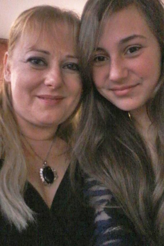 Ezen a két évvel ezelőtti fotón Panna csupán 13 éves, de jóval idősebbnek néz ki. Már akkor is magasabb volt, mint édesanyja.