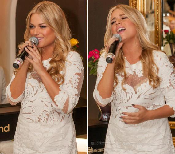 Az énekesnő egyik kedvenc színe a fehér, a fent látható képen egy átlátszó, csipkés darabba bújt.