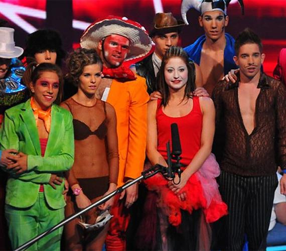 Az Appril Project tánccsoport minden tagja színes egyéniség, ugyanakkor csapatként is remekül együttműködnek. Hernádi Judit zsűritag szerint előadásuk példaértékű.
