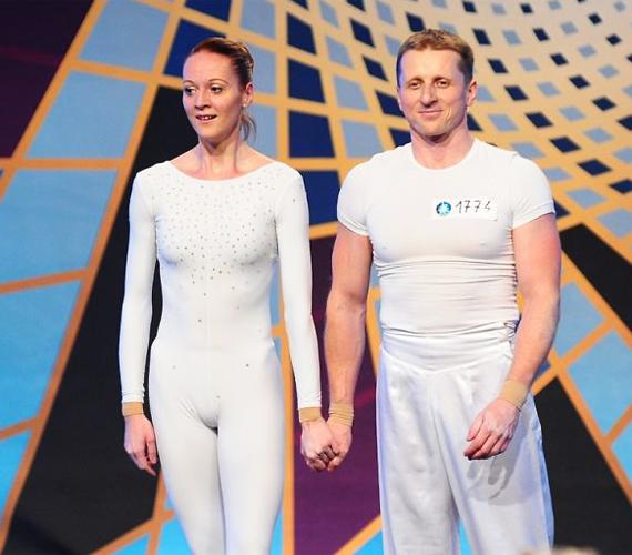 A táncművész házaspár, Nagy-Kuthy Zoltán és Kuthy Mercedes valóban lenyűgöző akrobatikus produkcióval mutatkoztak be. A nézők végül mégis kiesésük mellett döntöttek, hiába fájlalta a zsűri a búcsút.