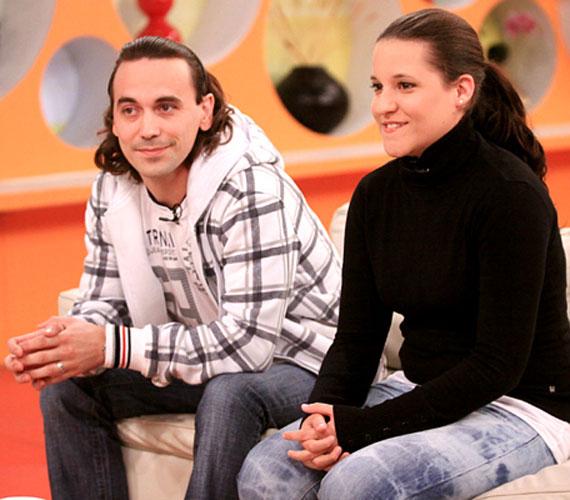 2 évvel ezelőtt, amikor az RTL Klub Reggeli című műsorában szerepelt szerelmével, aki szintén X-Faktor versenyző volt, még egy szolid kinézetű tinilány volt.