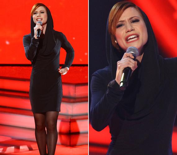 Wolf Kati Szerelem, miért múlsz című számának előadására Antal Timire egy testhez simuló, kapucnis ruhát adtak, mely kiemelte az énekesnő törékeny alkatát.