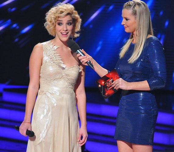 Ebben a nude színű darabban egyesek szerint még a műsorvezetőnél, Lilunál is feltűnőbben nézett ki a nyolcadik élő show-ban.