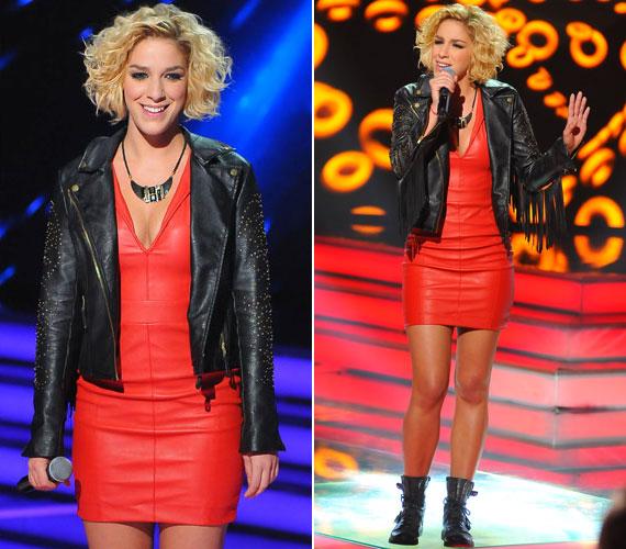 A negyedik élő show volt az első olyan alkalom, amikor Danics Dóra minden tekintetben dögös volt: a piros bőrruha, a bőrkabát, sminkje és frizurája is remek választás volt.