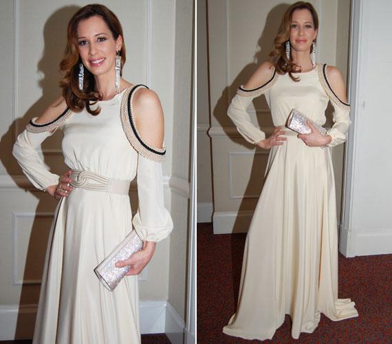 A 2013-as Story-gálára Elysian estélyiben érkezett: a lágy esésű, törtfehér ruhának az ejtett vállra tett díszítése adta a különlegességét.