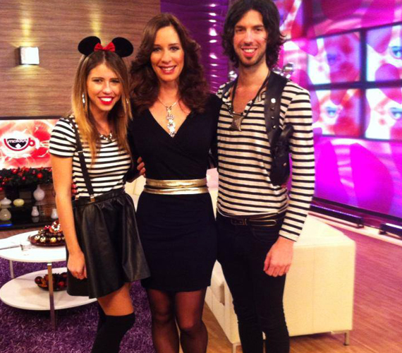 Remekül néz ki a miniruhában. A képet lánya kedvéért készítette, mivel Tamara nagy rajongója Varga Viktoréknak.