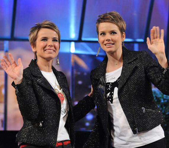 D. Tóth Krisztát műsorvezető egyszer már össze is öltözött a DTK Show egyik adásában Osvárt Andrea színésznővel. A minap egy eladó keverte össze a Megdönteni Hajnal Tímeát sztárjával.