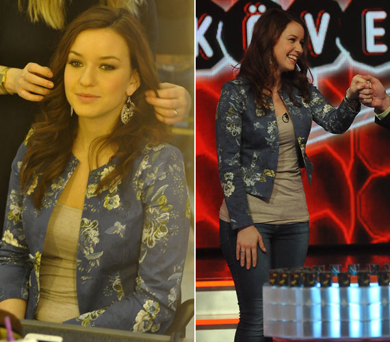 Rátonyi Krisztina, a köztévé fiatal műsorvezetője a romantikus vonalat követte ezzel a kék, virágos blézerrel.