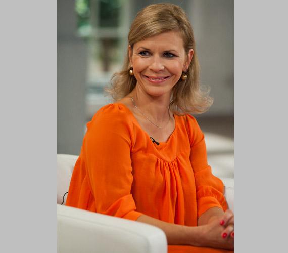 Schell Judit, a háromgyerekes színésznő élénk narancssárgában ragyogott az M1 képernyőjén.