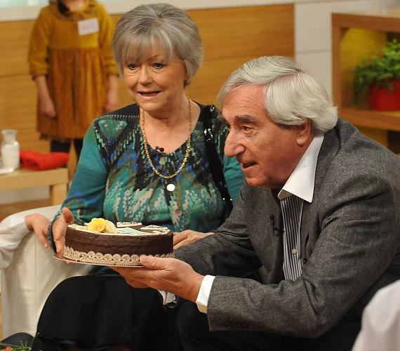 Moór Marianna színművésznő február 5-én ünnepelte 71. születésnapját. A születésnapi torta sem maradhatott el, erről Koch Danica mestercukrász gondoskodott, aki a műsor születésnapi tortájának is megálmodója, és aki 2012-májusától minden születésnapos művésznek készített egy Család-barát tortát.