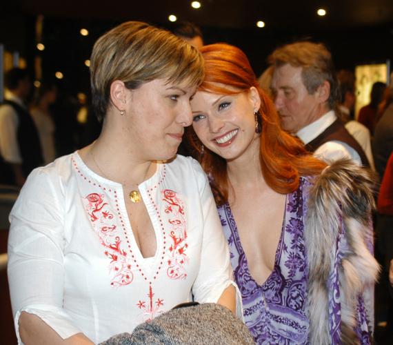 Kivételes pillanat: Dobó Katát húga is elkísérte a premierre, amúgy nem sokszor mutatkoznak együtt.
