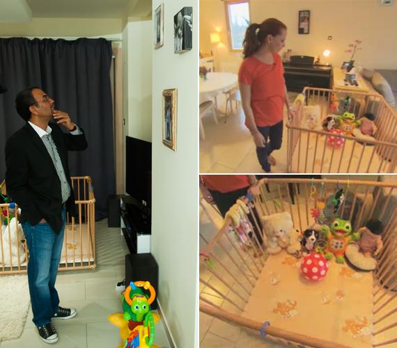 A nappali fontos része Dobó Kata kislányának, Szofinak a járókája, amelyben plüssállatok sorakoznak. A színésznő elmondta, hogy egyébként nem szokott ilyen rend lenni, a játékok többnyire szanaszét hevernek a szőnyegen.
