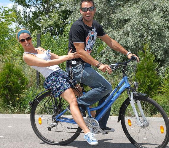 Dombóvári Vanda több tíz kilométert kerekezik naponta, legszívesebben biciklivel szeli át a várost, bár sok szabálytalanságot tapasztal.