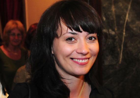 Farkasházi Réka a gimnázium óta alkotott egy párt férjével, már volt egy kétéves kisfiuk is, amikor a színésznő 2005-ben összejött kollégájával, Németh Kristóffal. A kapcsolat pár hónapig tartott, utána Farkasházi Réka és férje ismét egymásra találtak, 2009-ben egy kislányuk is született.