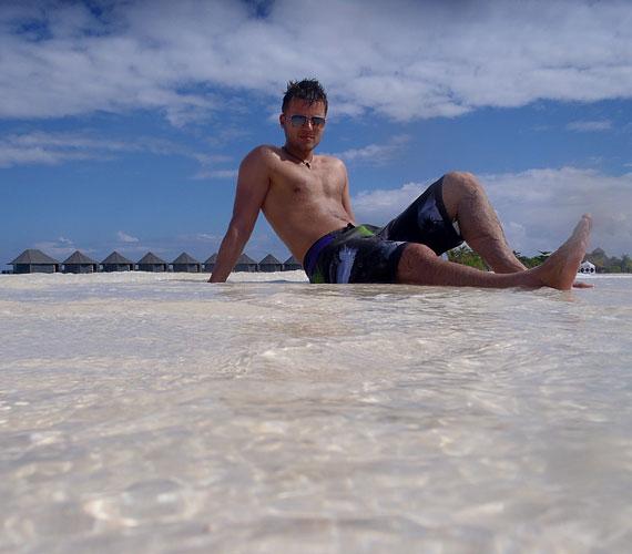 Először 2008-ben töltött el a földi paradicsomban két hetet, majd tavaly januárban három hetet.