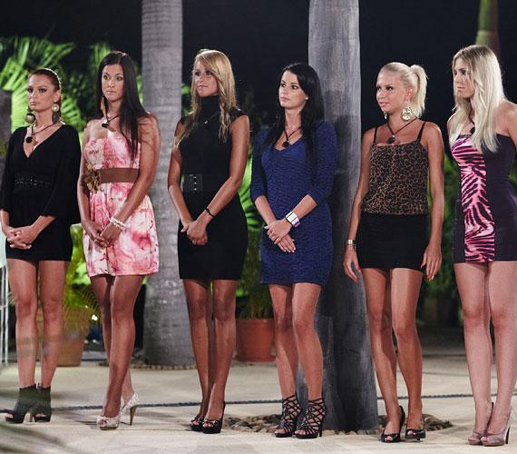 A korábbi párválasztókon is csinos ruhákban sorakoztak fel a lányok.
