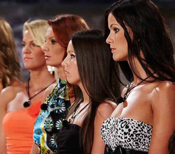 A lányok nagyon feszültek voltak, hiszen valakinek távoznia kellett az este.
