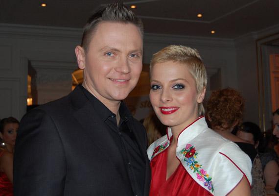 Tatár Csilla és Gönczi Gábor kilenc év együttélés és hét év házasság után döntött úgy, elválnak. Döntésükben nem játszott szerepet harmadik fél.