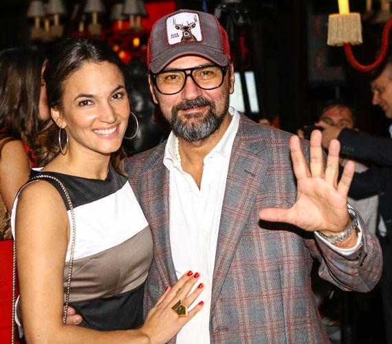 Gianni és Debreczeni Zita ezen a partin is úgy turbékoltak, mint a friss szerelmesek.