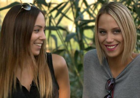 Kiss Ramóna és nála tíz évvel fiatalabb húga, Debóra annyira hasonlítanak egymásra, hogy a fiatal lány akár a színésznő dublőre is lehetne. A Fókusz keddi adásában álltak együtt kamerák elé. Még több fotó itt »